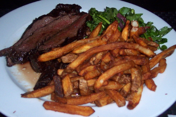 photo of steak frites from 88 Wharf, Milton, MA