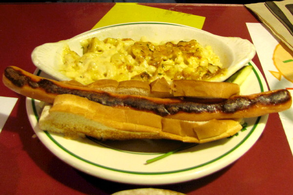photo of macaroni and cheese with a foot-long hot dog from Chelsea Royal Diner, Brattleboro, VT