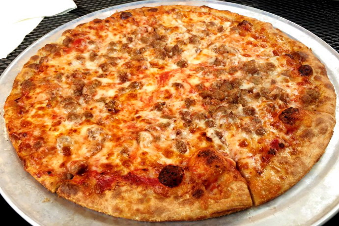 photo of hamburger pizza from Darcy's Village Pub, Quincy, MA (from hiddenboston.com)