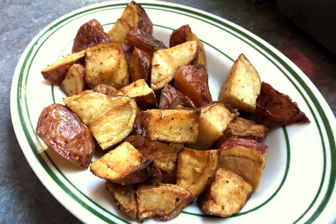 photo of home fries from Deluxe Town Diner, Watertown, MA