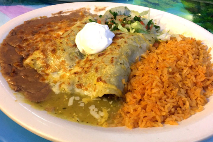 photo of tomatillos enchiladas from El Mariachi, Framingham, MA