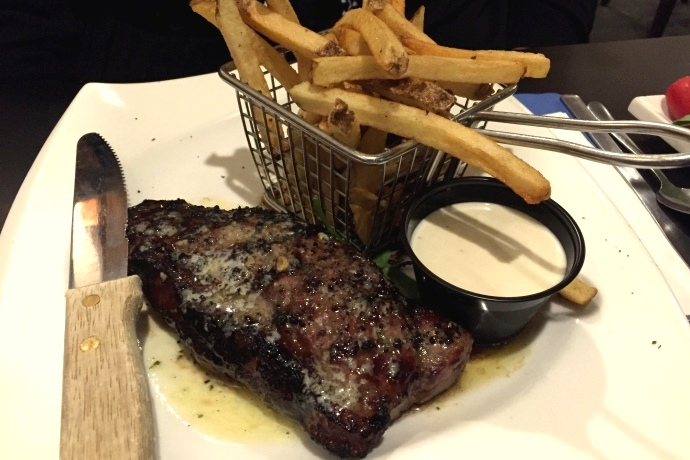 photo of steak frites from Louis, Quincy, MA