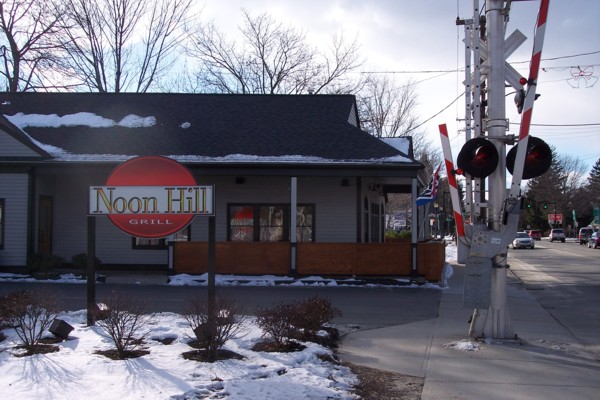 photo of the Noon Hill Grill, Medfield, MA