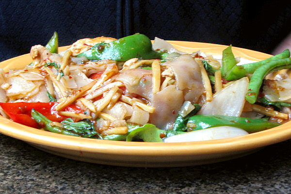photo of drunken noodles from The Similans, Cambridge, MA