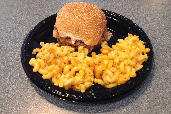 photo of pulled pork and macaroni and cheese from Tennessee's, Braintree, MA