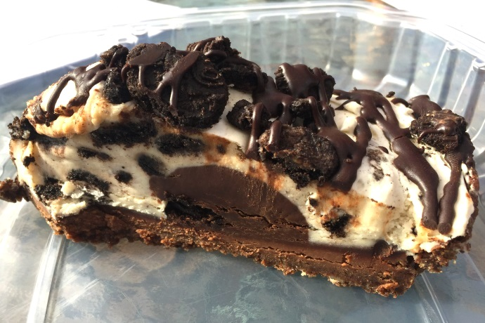 photo of oreo cheesecake from the Vanilla Bean Cafe, Pomfret, CT
