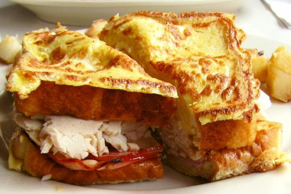 photo of Monte Cristo breakfast sandwich from Victoria's Diner, Boston, MA